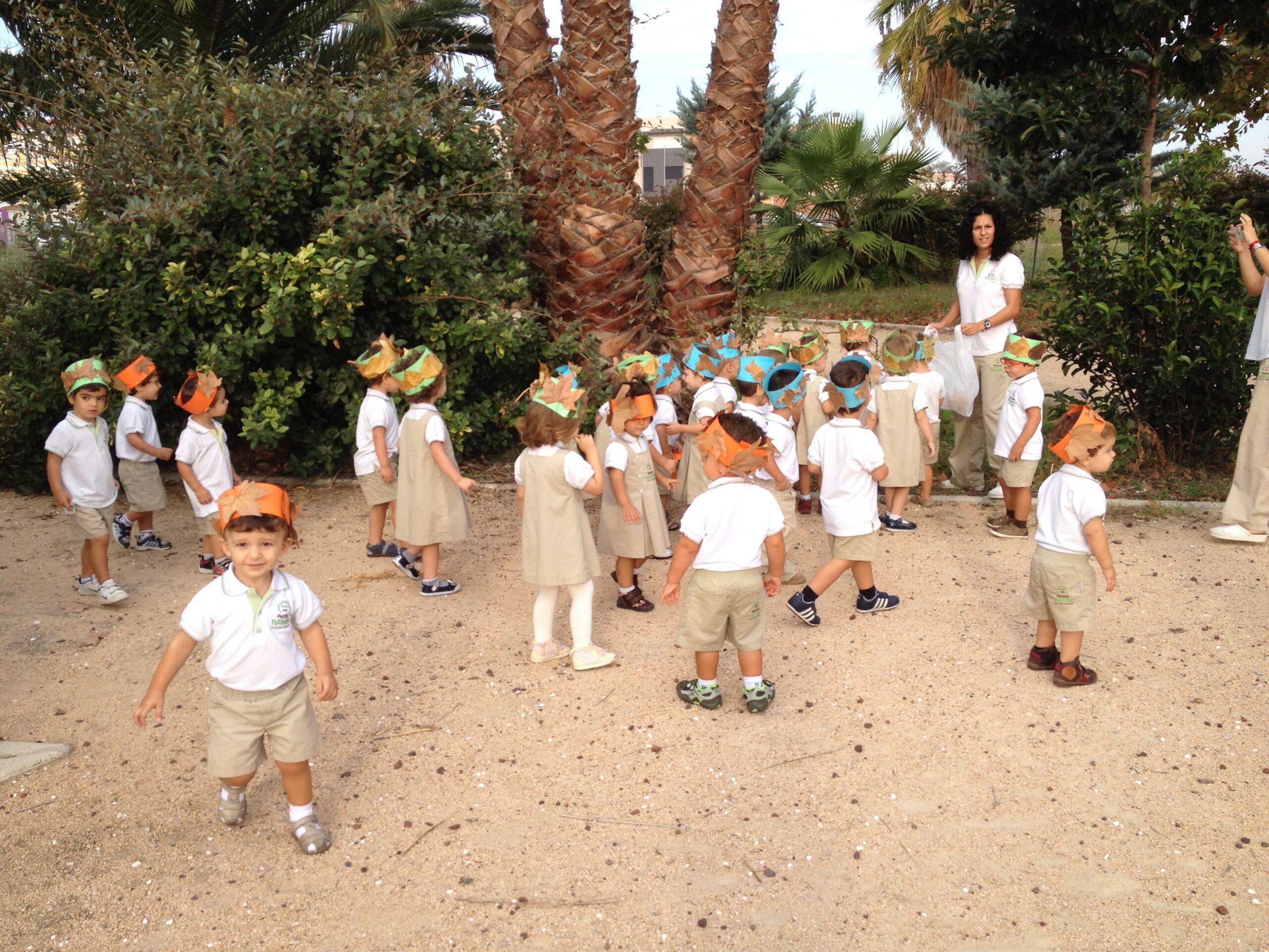 Ayudamos a los niños a descubrir el mundo con nuestras excursiones.